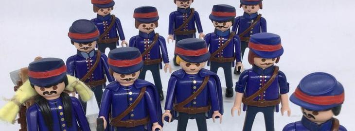 Laissez passer les Playmobil