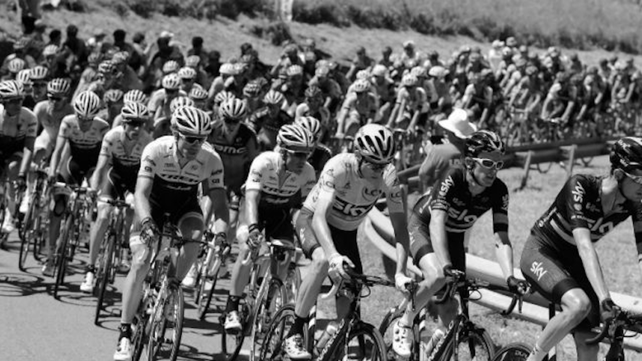 Tour de France : white babel (Poitiers)