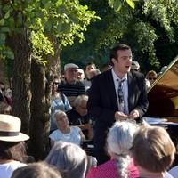 Récital gratuit de  piano (musique classique en plein air dans la nature)